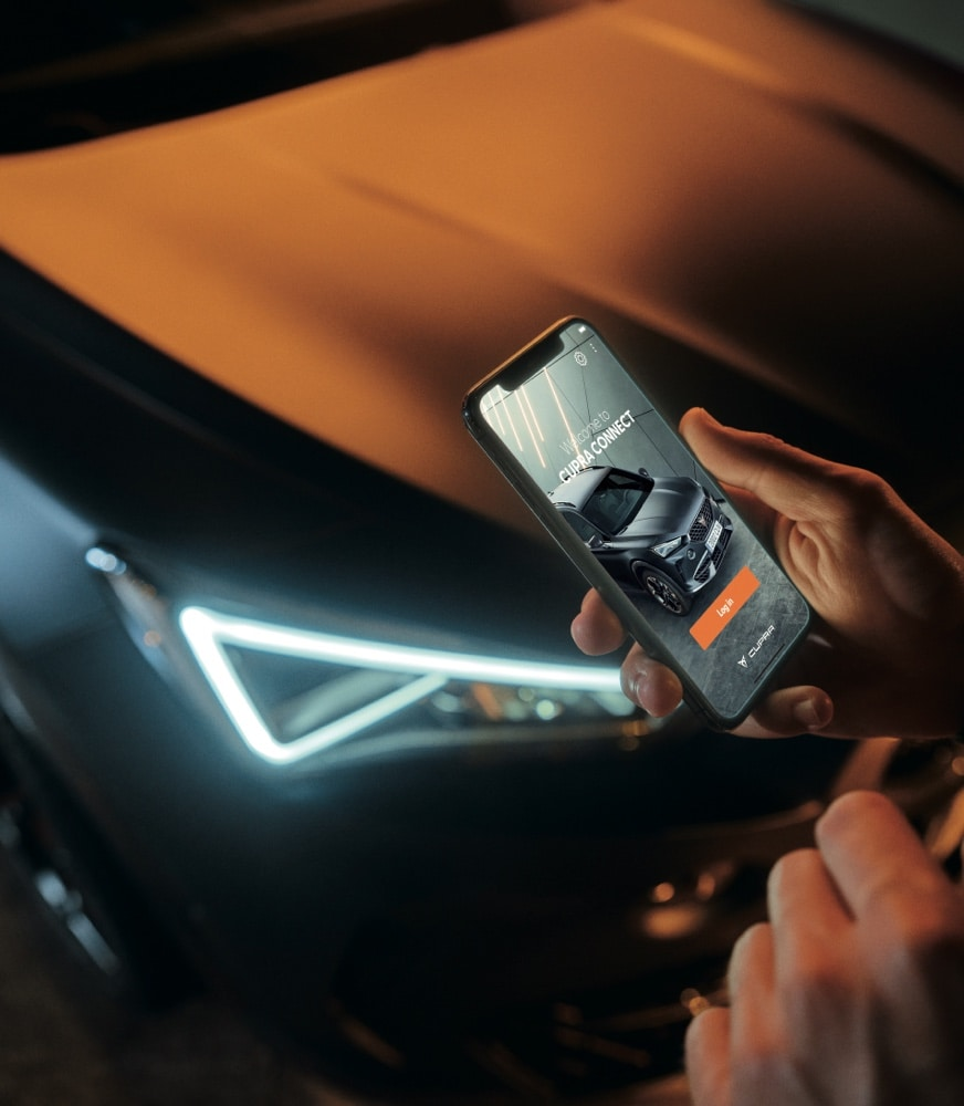 CUPRA%20CONNECT%20app%20from%20a%20smartphone